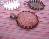 10pk Crown Lace Edge Pendant Trays...Size 25mm Circle..Mix and Match