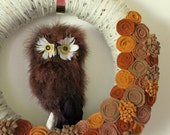 Autumn Owl Wreath, Woodland Wreath, Yarn and Felt Wreath - 14 inch size