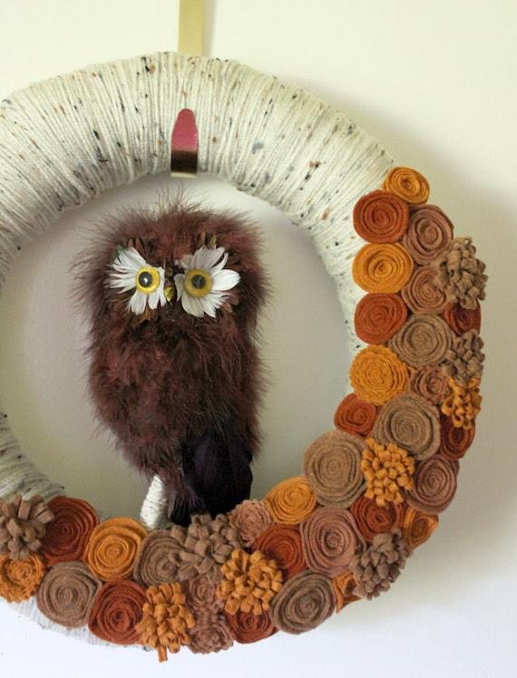 Autumn Owl Wreath, Woodland Wreath, Yarn and Felt Wreath - 14 inch size