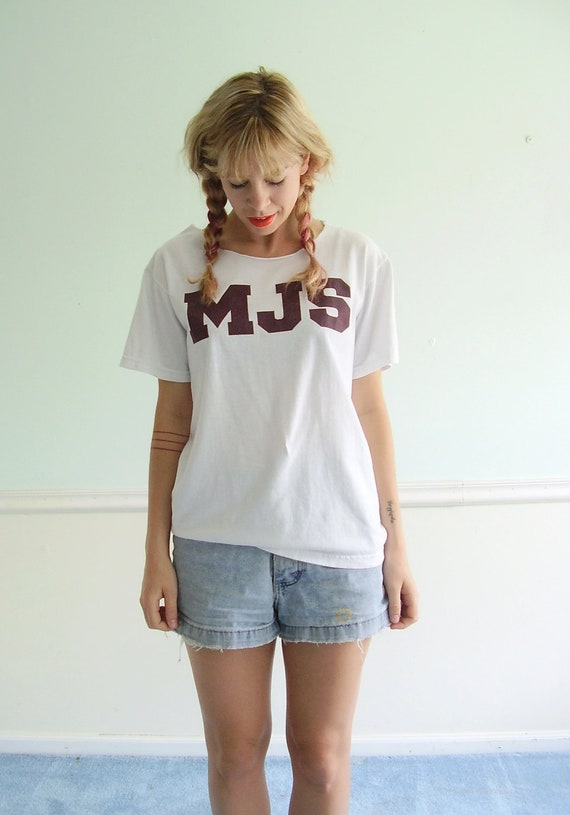 M J S Vintage 90s White and Maroon Letterman Track Gym Tee Shirt Tshirt SMALL S