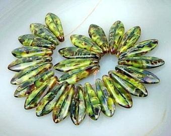 Dagger Jade Swirl Piscasso Czech Glass Beads 25 pc 16mm (C130)