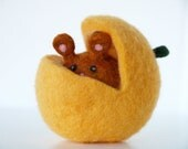 Waldorf Pumpkin Toy, Autumn Fall Needle Felted Woodland Mouse for Happy Children, Waldorf Inspired Wool Toy, Soft Plush Stuffed Animal Toy