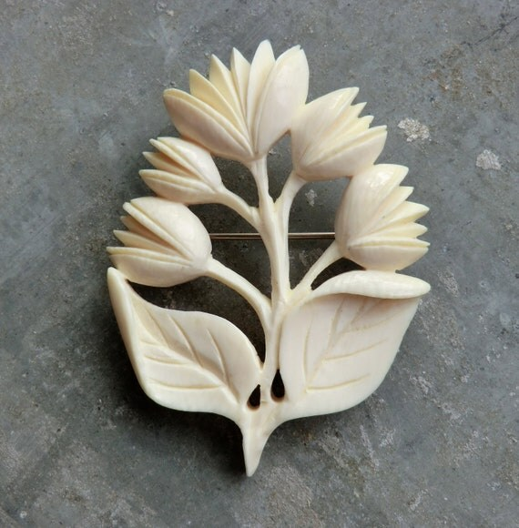 Circa 1940 Carved Ivory Brooch In Beautiful Flower Pattern