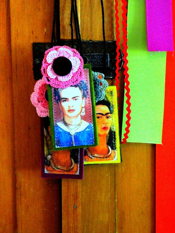 frida kahlo pin and necklace