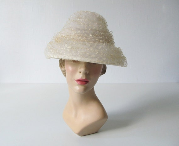 1960s Hat / Cream Lace Hat / Sugared Lace