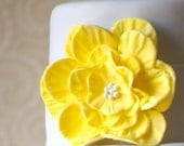 Giant Flower Cake Embelishment, Large Flower Cake Topper, Edible Flower, Edible Cake Topper, Wedding Cake Fondant Flower, Yellow Flower