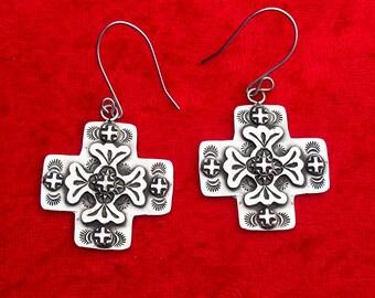 E110 The Santa Fe Cross sterling silver southwestern native style earrings