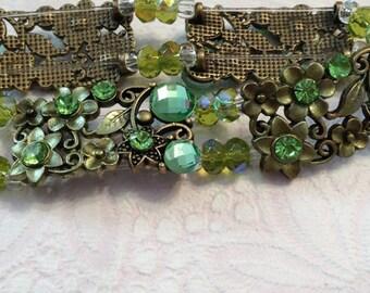 Flowers in Green Bracelet