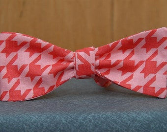 Guava on Guava Houndstooth Pattern  Bow Tie