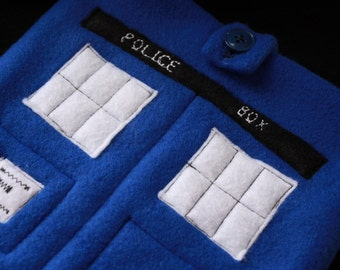 TARDIS eReader case with POCKET & embroidered words for iPad Tablet, Kindle, Nook, gadget case Doctor Who fans, blue police box