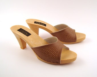 Vintage 1970s Shoes Latte Brown High Heel Sandals size 5