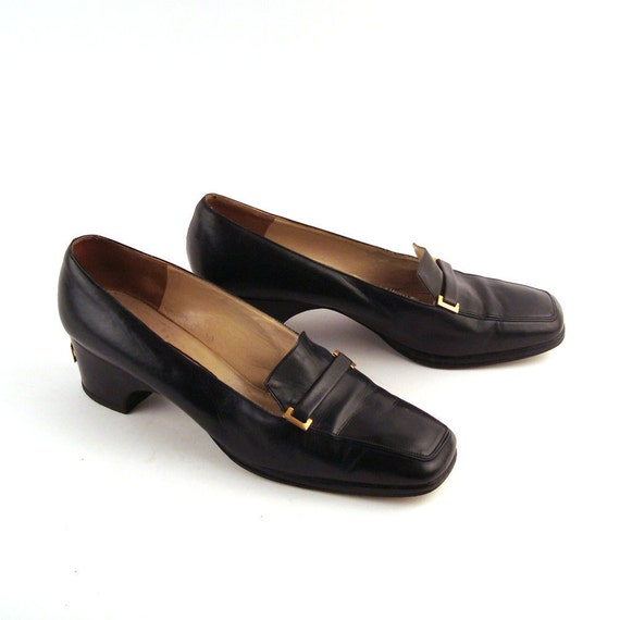 Vintage 1960s Givenchy Heels Navy Leather size 10