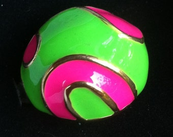 1960s Enamel and Gold Dome Ring GREEN and PINK size 7