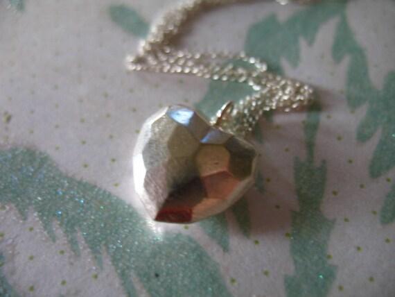 Shop Sale.. Silver Heart Pendant Charm, HAMMERED HEART, 925 Sterling Silver, 1 pc, 18x14.75 mm, love motif brides bridal mom jj