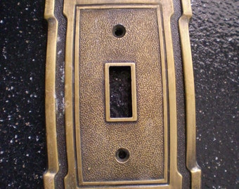 Vintage  Single Toggle Light Switch Plate