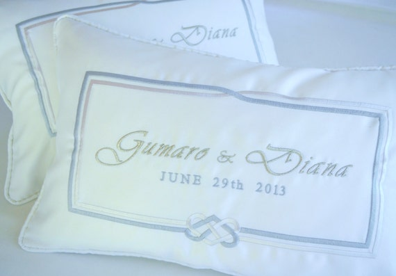 Bridal White WEDDING KNEELING PILLOWS - Padrino de Cojines - Custom Made Embroidery on Silk with Bride and Groom's Names and Date