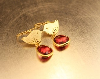 Sweet Sparrow Fuschia Pink Gold Framed Glass Earrings