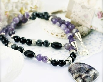 Charisma and protection necklace - amethyst, onyx, jade and labradorite