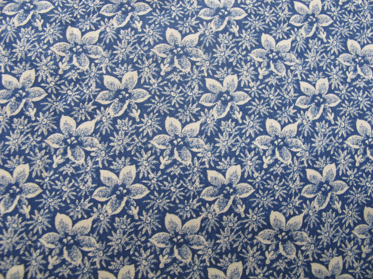 70s Navy Calico Print Quilt Fabric Vintage Sewing Supplies