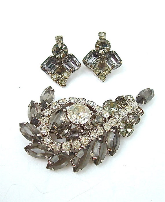 Vintage Rhinestone Brooch Earring Jewelry Set Paisley Mystery Smoke and Ice