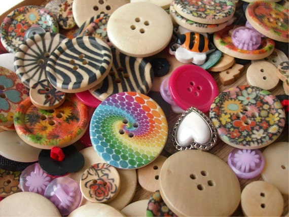 Vintage New Button Lot - 200 Buttons - Assortment - Wood, Plastic, Resin, Sewing