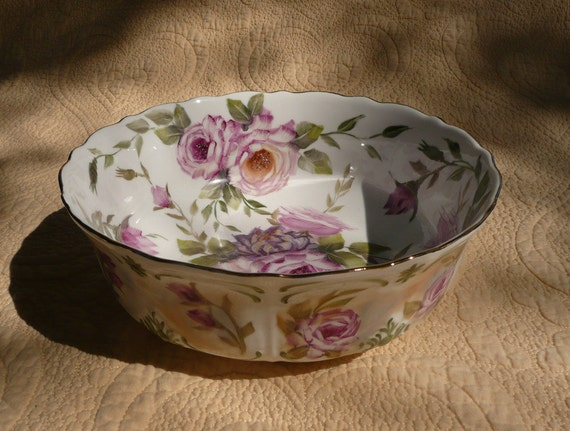 Large Roses and Mums Serving Bowl