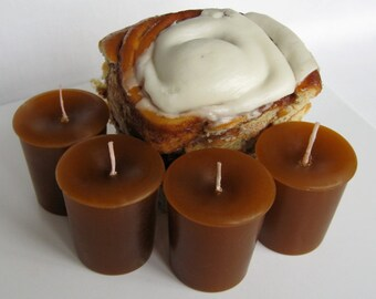 FROSTED CINNAMON BUN (4 votives or 4-oz soy jar candle)