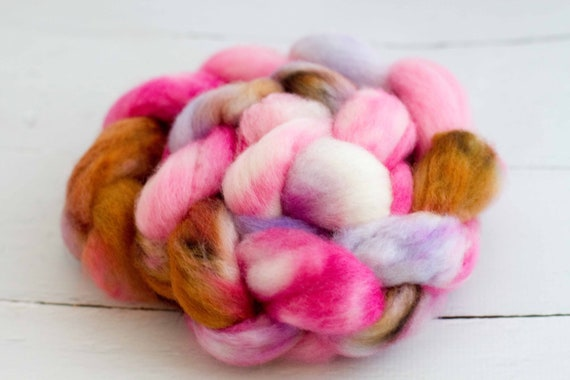 BFL spinning top roving 'curtsy'