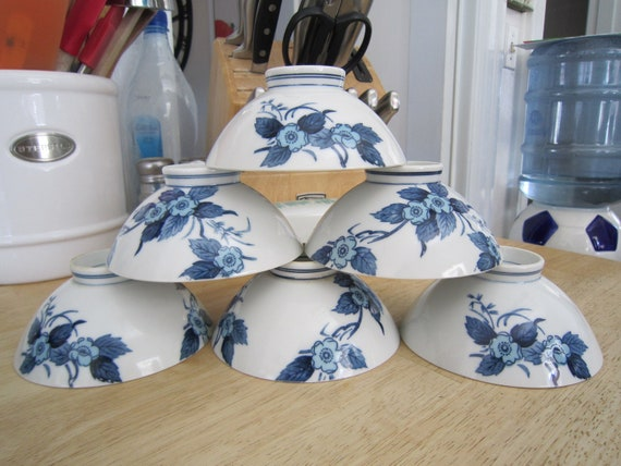 Japanese Flower Motif Rice Bowls