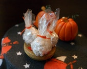 1/12 Scale (Dollhouse) Popcorn Balls in a Wooden Bowl Halloween Autumn Fall Treat Snack