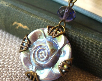 Rose Shine I - Purple flower filigree necklace - Elysia