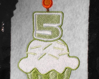 Five Cupcake, INSTANT DIGITAL DOWNLOAD, Birthday Embroidery Design for Machine Embroidery 4x4