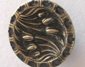 Vintage Button Victorian Tulip Flower Art Nouveau Brass Gold 1900s