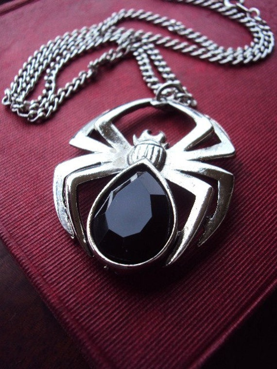 Vintage Spider Necklace in Antique Silver