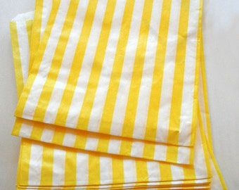 Set of 100 - Traditional Sweet Shop Yellow Stripe Paper Bags - 7 x 9 New Style