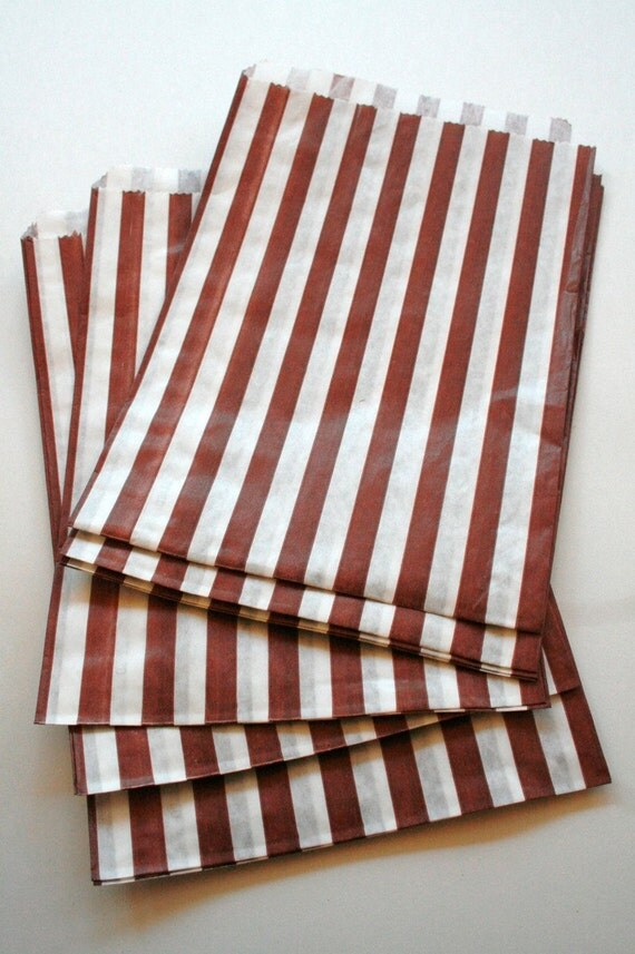 Set of 100 - Traditional Sweet Shop Red Stripe Paper Bags - 10 x 14 New Style