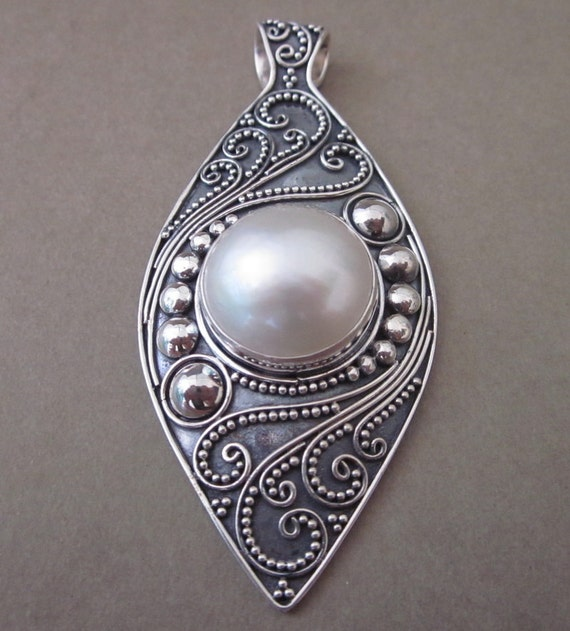 balinese sterling silver white mabe pearl pendant silver 925