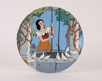 """Vintage Snow White Decor Plate """"At the Wishing Well"""" 1990 1st Edition"""
