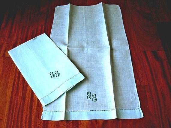 TOWEL Set 2 Vintage Embroidered LINEN Pair  Drawnwork Green Monogrammed GG Embroidery Drawnwork
