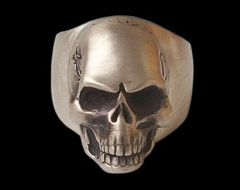 925 Sterling Silver Rock n Roll skull Ring (Solid inside) - ALL SIZES
