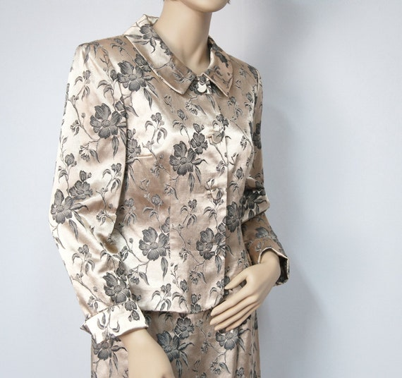 Sophisticated 1980's Suit / Womens / Skirt and Jacket / Brocade / Antique Gold / Dogwood / Size 6