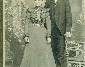Carroll Iowa Happy Couple Standing Victorian Dress Husband Wife  IA Cabinet Card Studio Portrait Antique Photograph Photo