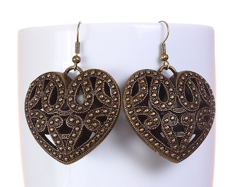 Large antique brass filigree heart drop dangle earrings (577) - Flat rate shipping