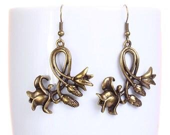 Sale Clearance 20% OFF - Antique brass tulip flower dangle earrings (614)
