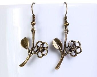 Sale Clearance 20% OFF - Petite antique brass flower leaf drop dangle earrings (644)