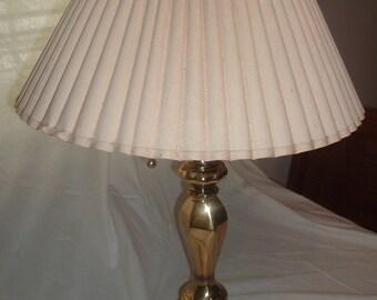 BRASS TABLE LAMP /desk light