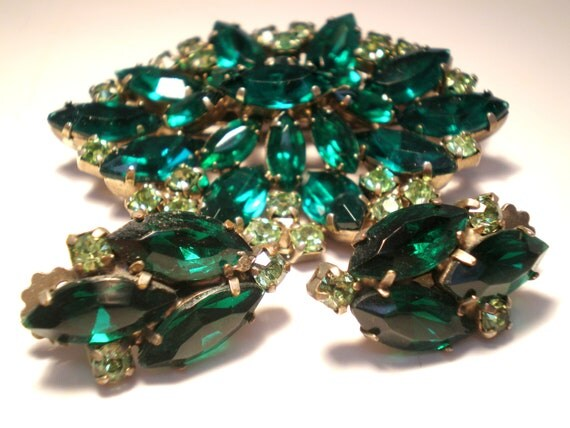 ON Hold Vintage Brooch an Earrings Set Emerald Green 19 Marquis an 22 Peridot Green Multi Faceted Rhinestone Pronged Chunky Statement