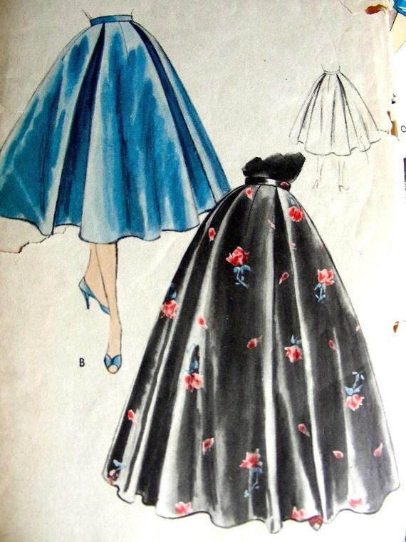 "VOGUE Sewing Pattern 8495 -  1950s Misses Flared Skirt Vintage  - Waist 26"", hip 35"""