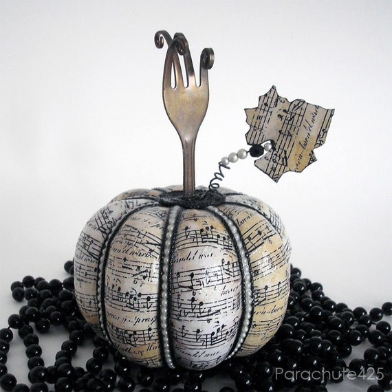 Shabby Chic Music Pumpkin 123, recycled fork photo holder, decoupage, Halloween, Tanksgiving, hostess gift
