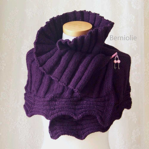 Capelet Knitting Pattern : AMETHYST Knitting capelet pattern PDF by BernioliesDesigns on Etsy